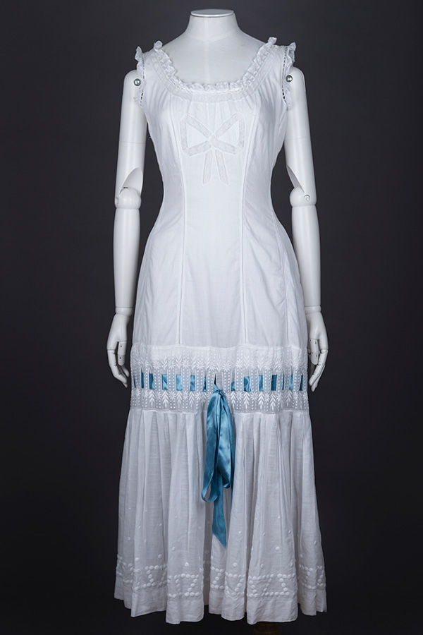Cotton Princess-line chemise with lace appliqué and embroidery Photography by Tigz Rice Studios The Underpinnings Museum