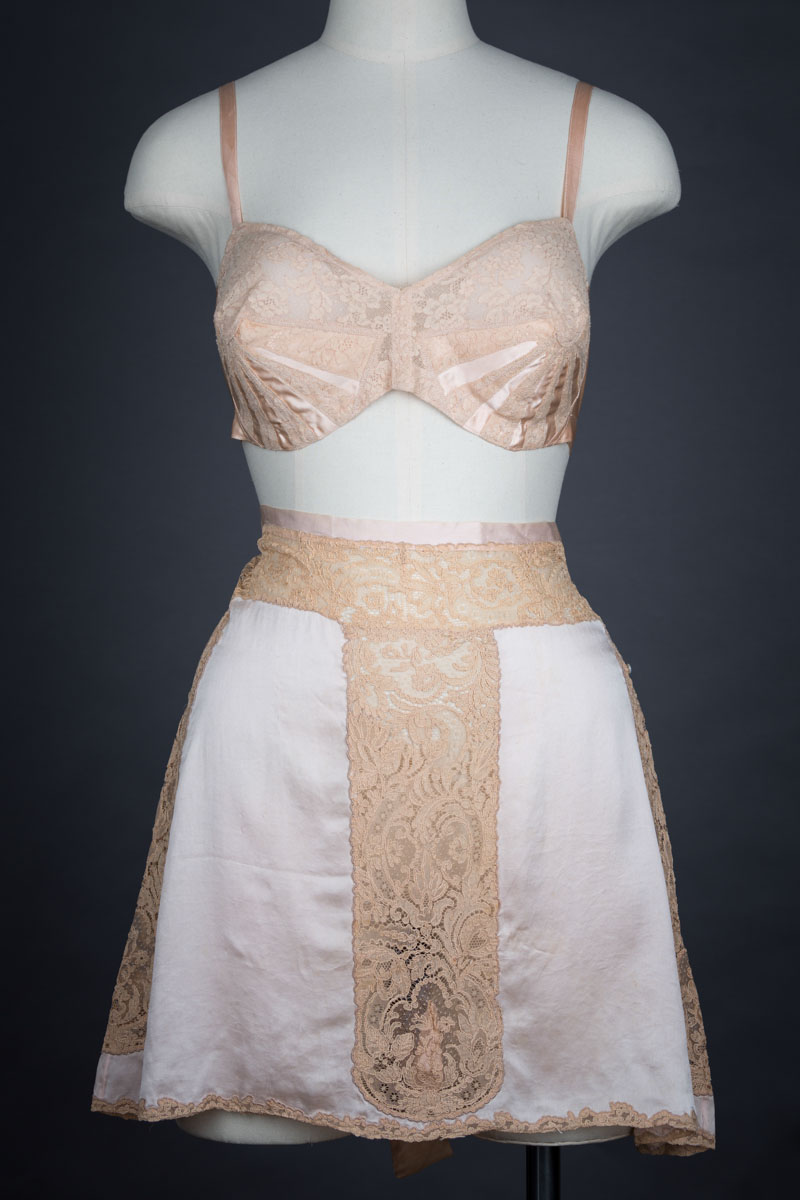 Sunburst rayon and lace bra with silk and lace appliqué tap pants, c. 1930s/1920s Photography by Tigz Rice Studios. From The Underpinnings Museum collection.