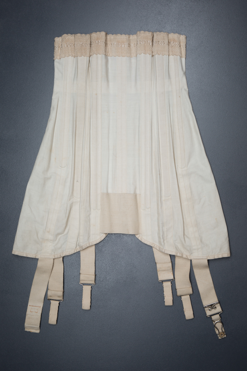 Front lacing cotton corset by Warner, c. 1911, USA. The Underpinnings Museum. Photo by Tigz Rice