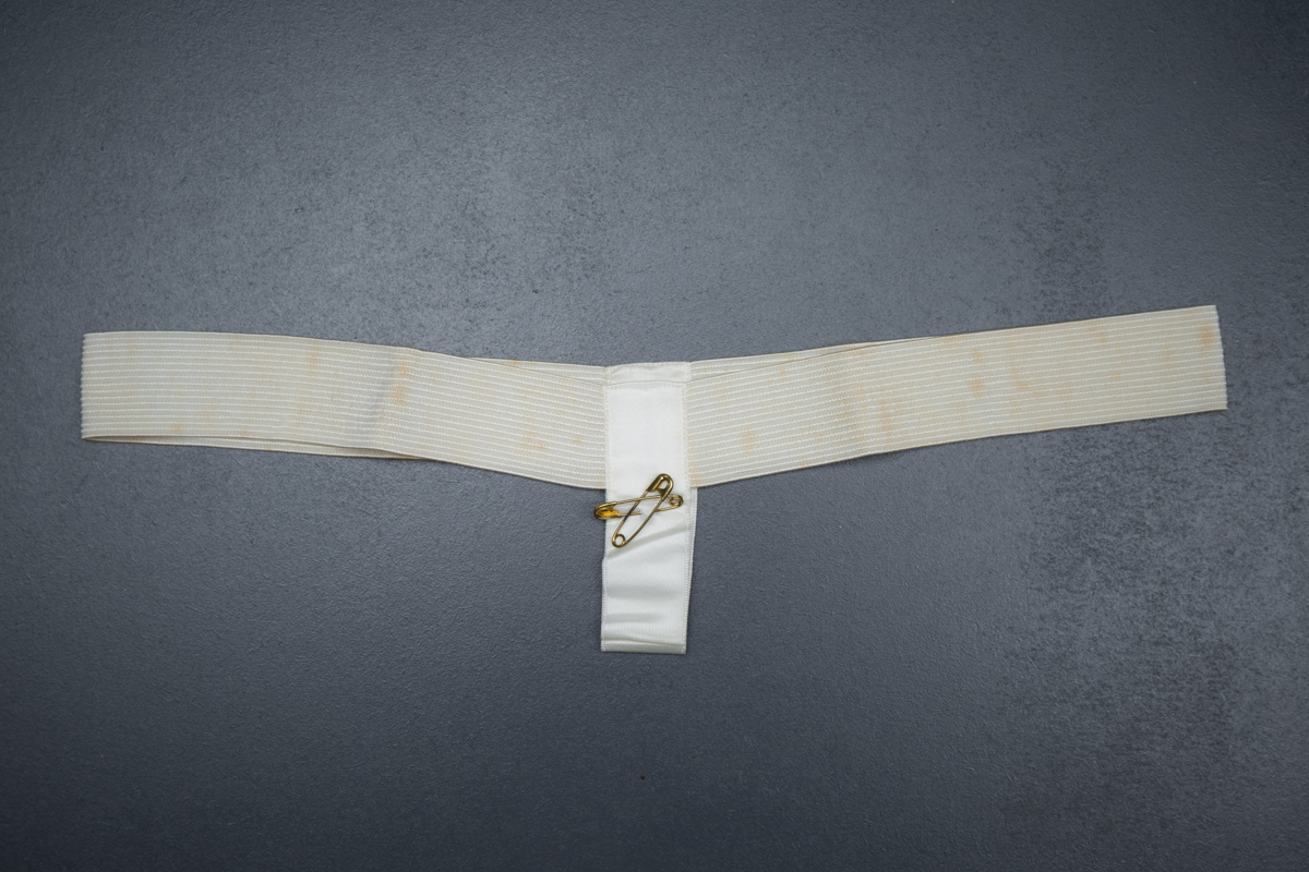 De luxe sanitary belt, c.1940s, USA. The Underpinnings Museum. Photo by Tigz Rice