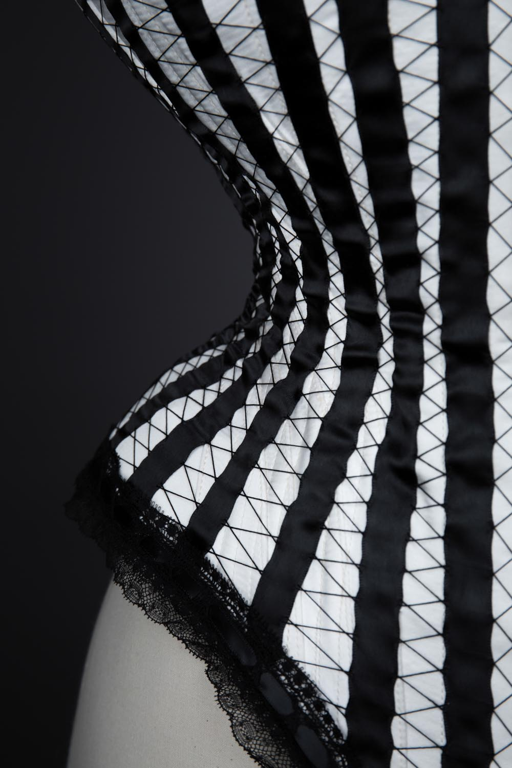 Calliope corset by Tighter Corsets. The Underpinnings Museum. Photography by Tigz Rice
