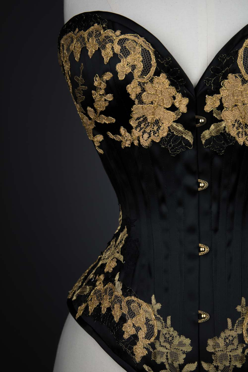 'Vanyanis' satin overbust corset by Vanyanis. The Underpinnings Museum. Photography by Tigz Rice.