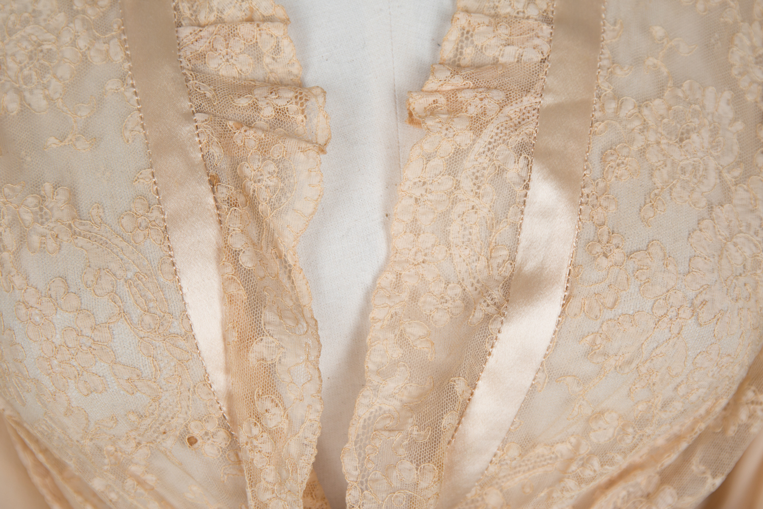 Bias Cut Silk Crepe & Corded Lace Peignoir by Bullock's Wilshire , c. 1940s, USA. The Underpinnings Museum. Photography by Tigz Rice.