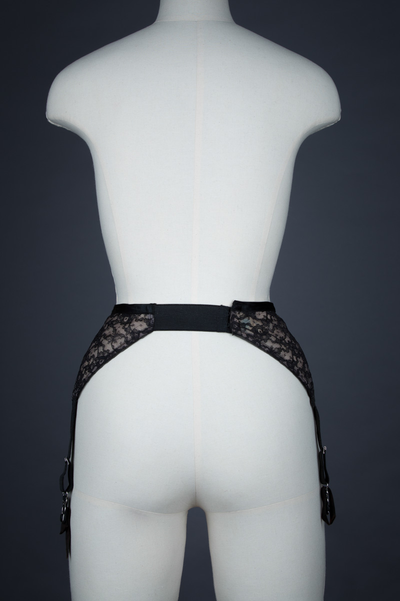 Nylon Lace Overlap Suspender Belt By Treo, c. 1950s, USA. The Underpinnings Museum. Photography by Tigz Rice.