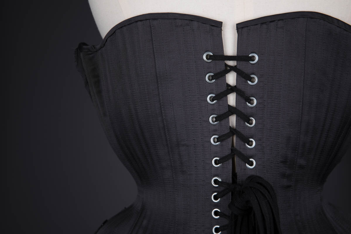 Tjarn Silk & Lace Appliqué Underbust Corset By Sparklewren, 2014, United Kingdom. The Underpinnings Museum. Photography by Tigz Rice