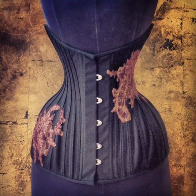 The 'Phoenix' underbust corset by Sparklewren. Photo by Jenni Hampshire.